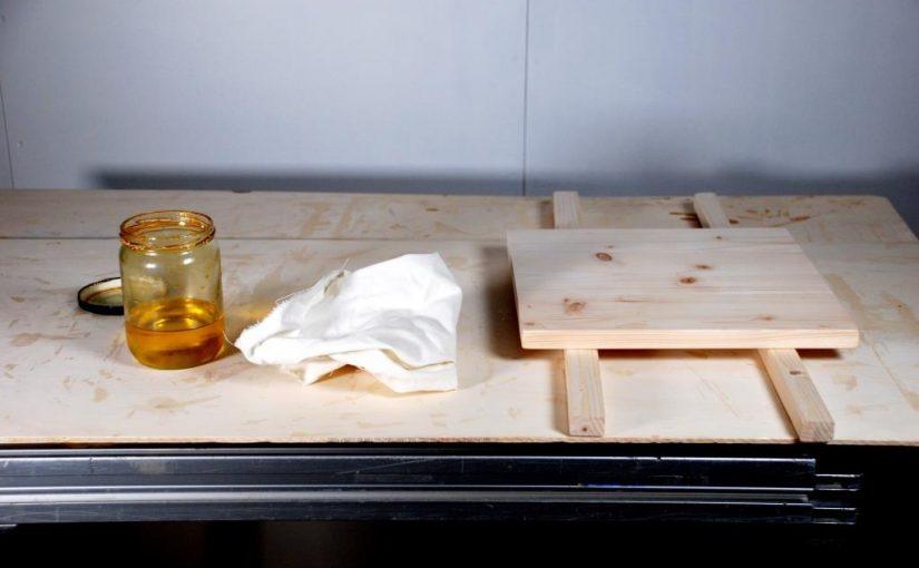 Leinöl richtig auftragen auf Holz – eine Anleitung
