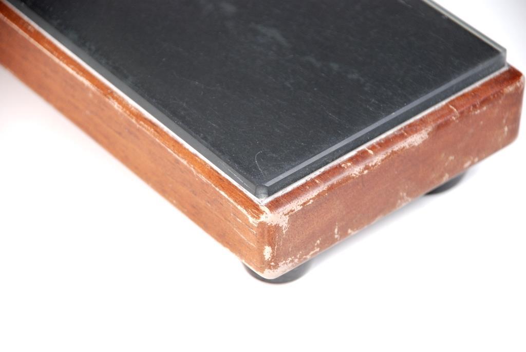 Glasplatte auf Abrichtblock Nahaufnahme