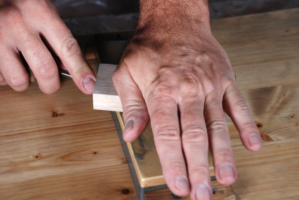 Andruckholz im Einsatz auf japanischem Wasserstein